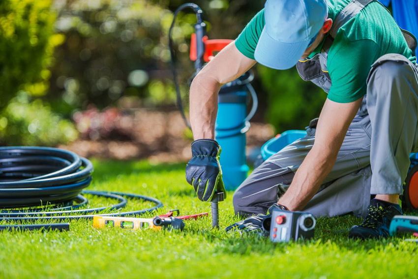 Установка системы автополива на участке позволит сэкономить владельцам массу времени и усилий затрачиваемых на самостоятельный полив растений