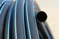 Трубы из полипропилена не уступают по качеству пластиковым, зато уступают в цене