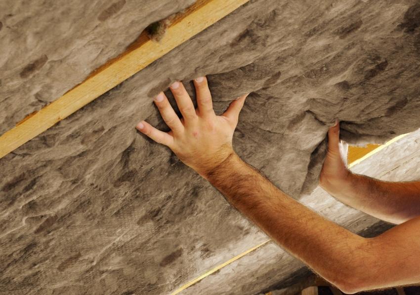 Минвата – оптимальный материал для утепления потолка и стен бани