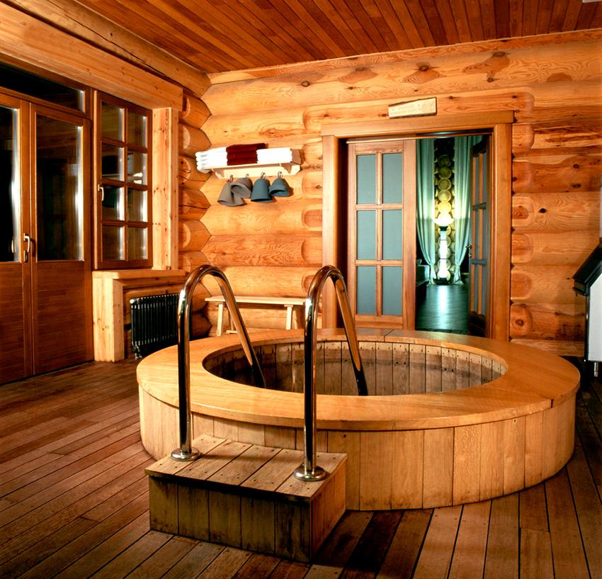 Бассейн может быть установлен в помещении, а также на веранде или террасе