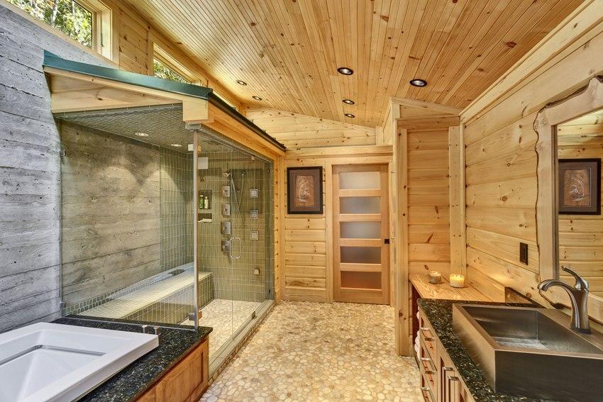 Облицовка рейками в одном направлении больше подходит для небольших помещений, так как в просторной комнате они будут выглядеть монотонно и скучно