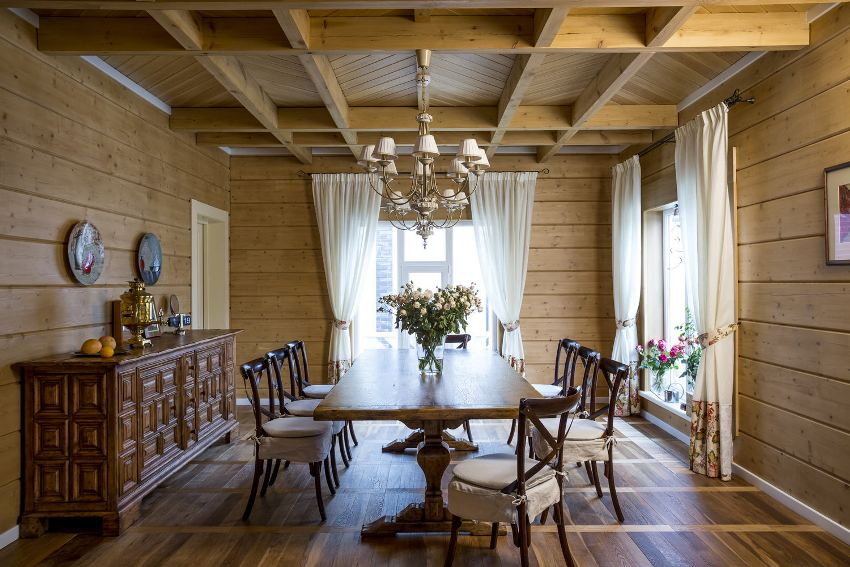 Необходимо чтобы материалы для отделки потолка гармонировали со стенами, создавая единый дизайн и делая комнаты уютными и привлекательными