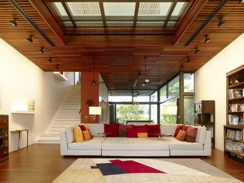 Потолки в деревянном доме должны соответствовать общему стилю и иметь достойный вид