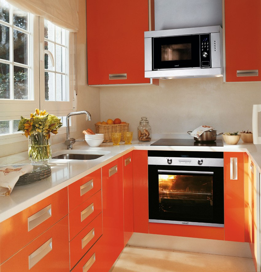 Встраиваемый духовой шкаф шириной 60 см – это отличное и стандартное решение для современной кухни