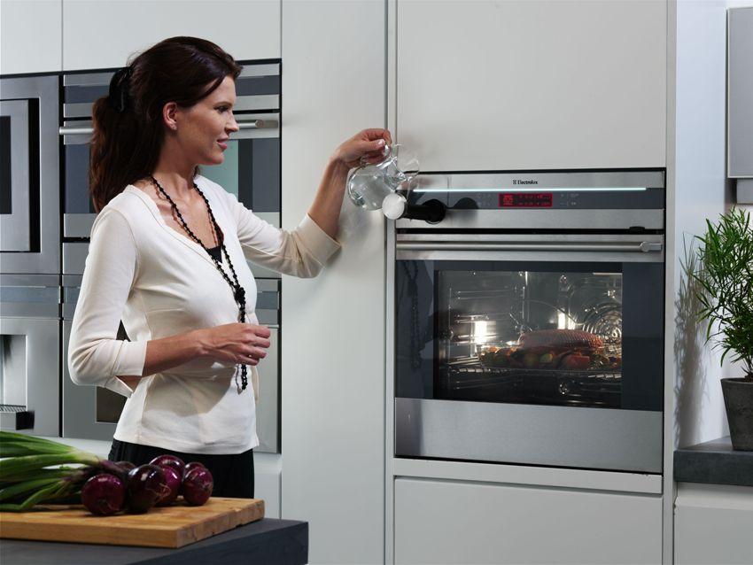 Духовой шкаф Электролюкс EOC 95651 BX обладает оптимальным набором особенностей и функций, чтобы справиться с самым сложными задачами