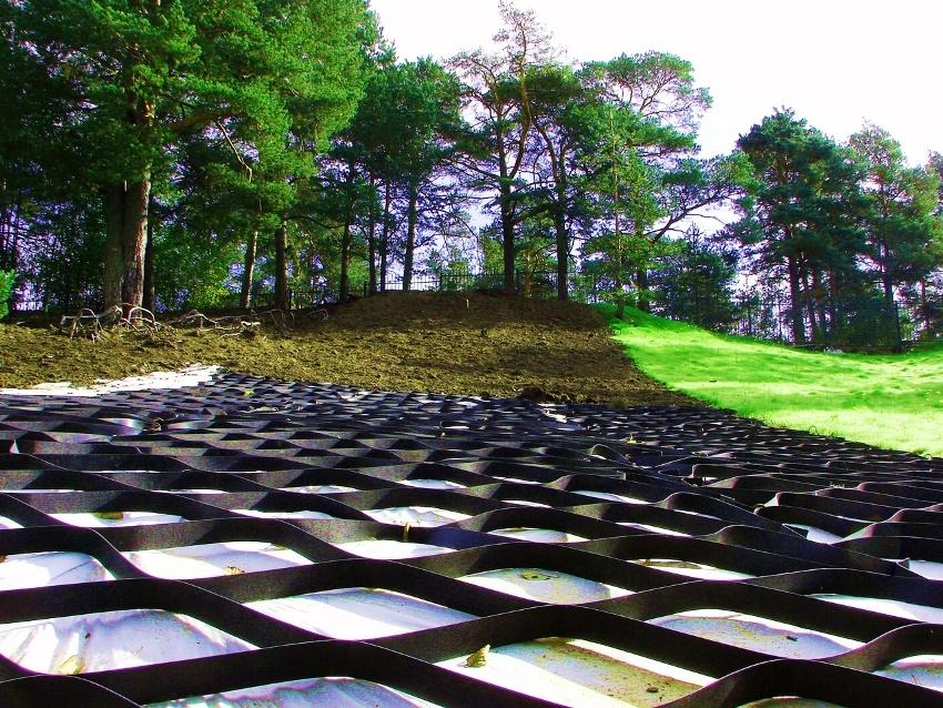 Не все пологие склоны нуждаются в укреплении грунта геоматериалом