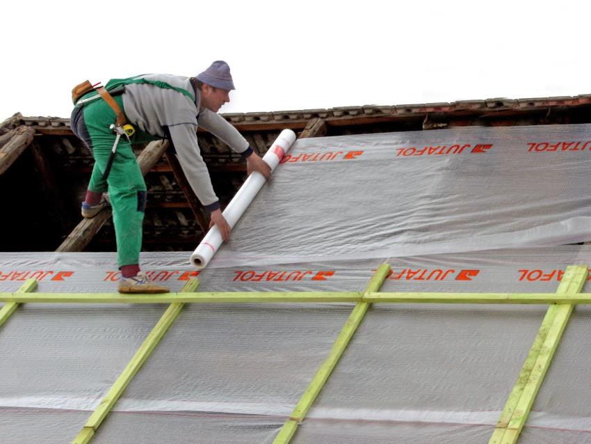 Изоляция для гаража выполняет важную задачу - защищает помещение от атмосферных явлений