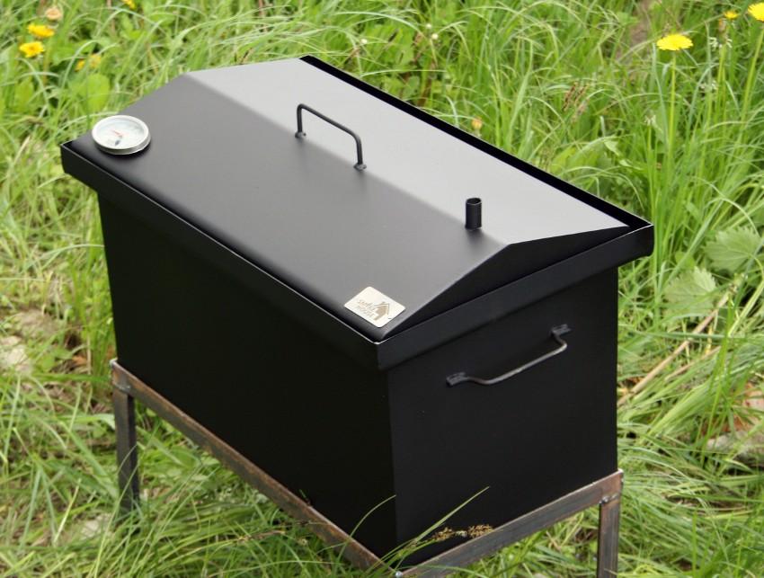 Для горячего копчения температура дыма должна быть достаточно высокой, для холодного – 35°С