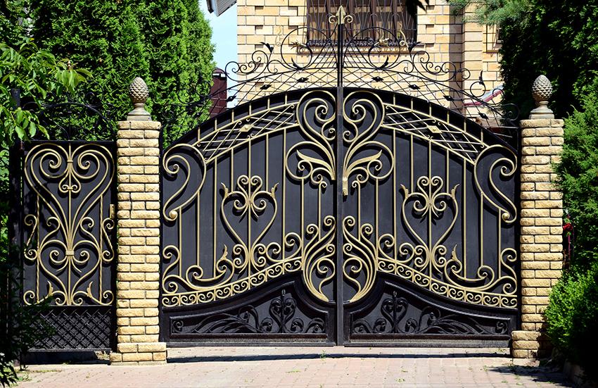 Цена конструкции за квадратный метр варьируется от 2000 до 50000 руб.