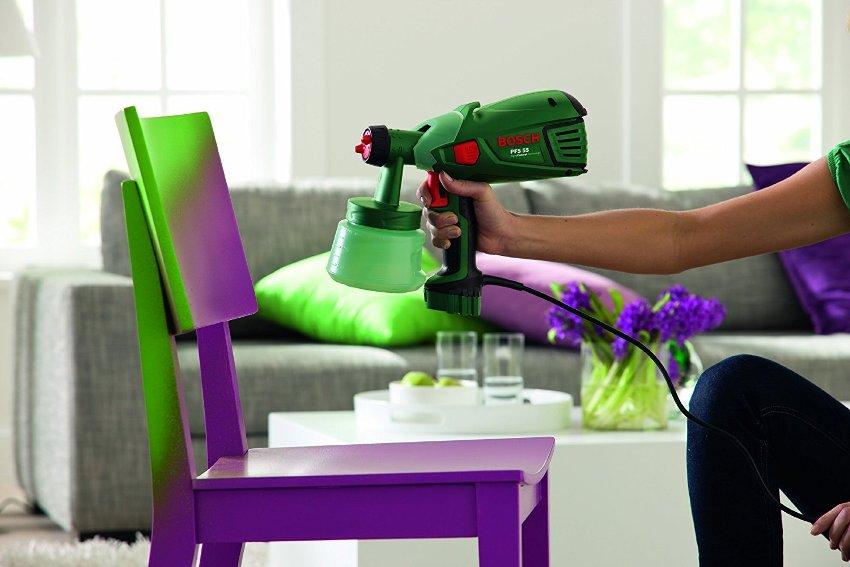 Выбирая тип и модель распылителя, лучше отдать предпочтение краскопультам, предназначеным для работы с водоэмульсионными красками