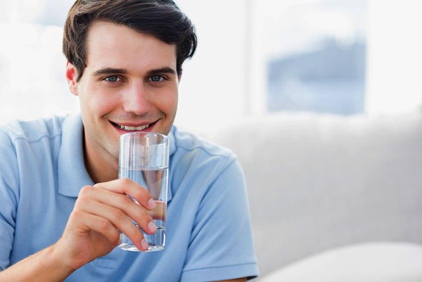 Воду в которой соержится переизбыток железа категорически запрещено употреблять как питьевую