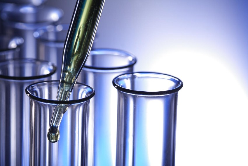 Сначала проводится химический анализ воды, который выявляет наличие вредных веществ, примесей или опасные концентрации элементов