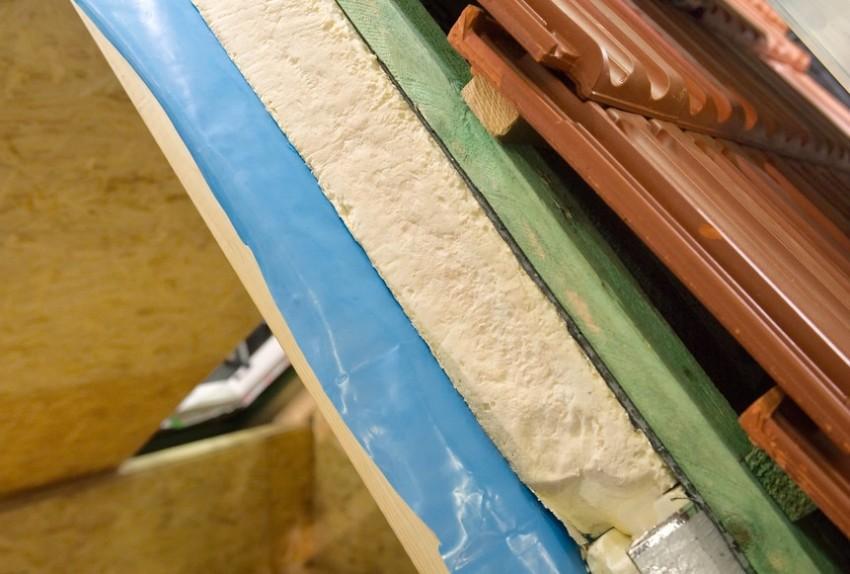 Важно правильно подобрать пароблокирующую мембрану, чтобы защитить крышу от негативного влияния конденсата