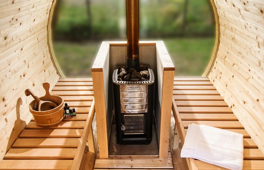 Композиция пологи-купе пространственно оказывается крайне выгодной для небольших помещений бани