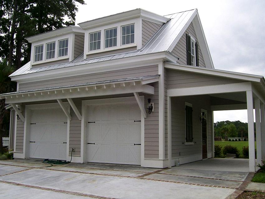 Дом с мансардой – это отличное решение для маленького участка