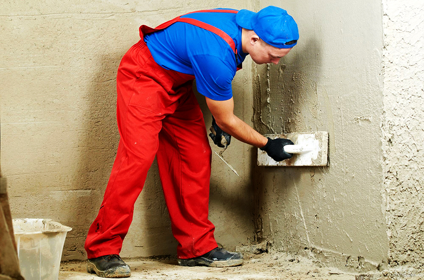 Перед нанесение бетонной гидроизоляции необходимо тщательно подготовить поверхность