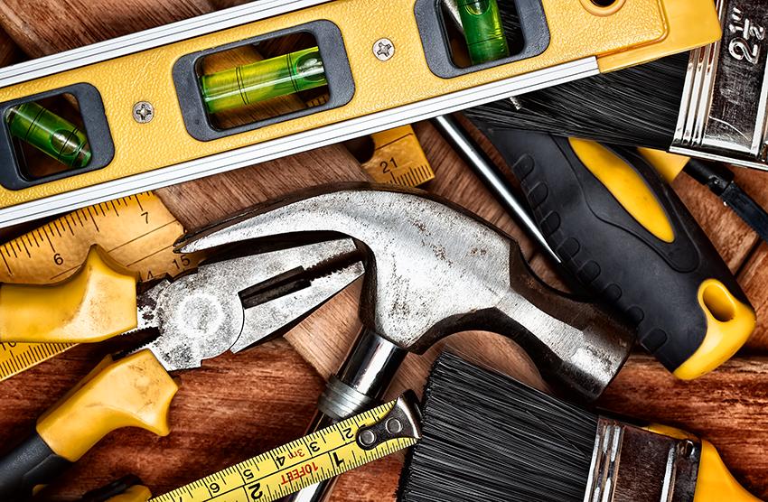 Перед монтажом пленки нужно подготовить все необходимые инструменты
