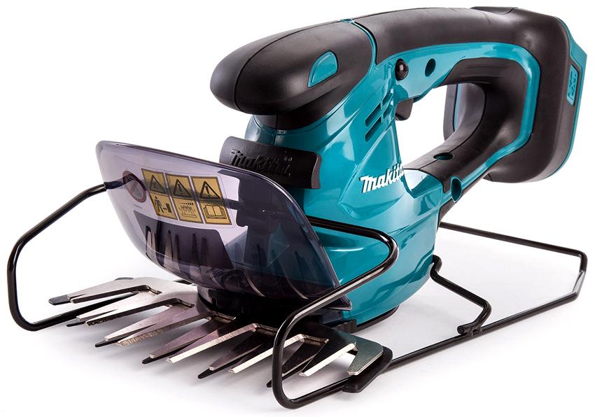 Профессиональные аккумуляторные ножницы Makita используют не только для подрезания кустов, но также и газонов