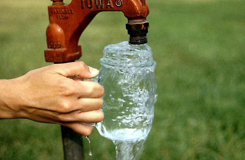 Чтобы вода в скважине была чистой и незаилиной ее нужно эксплуатировать курглый год