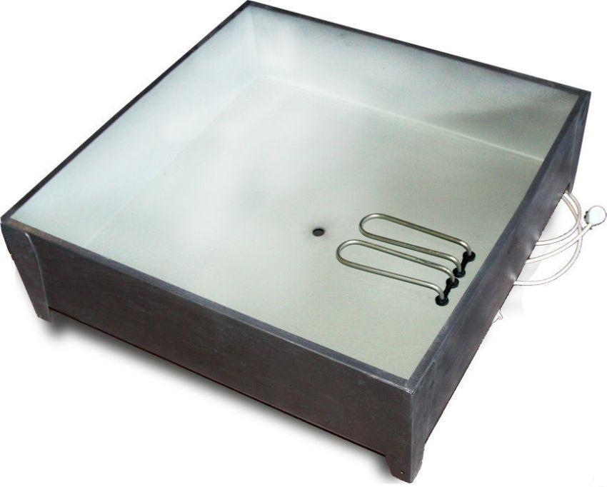 Железный бак для душа в полной мере справляется со своей функцией, хоть и имеет не совсем привлекательный дизайн