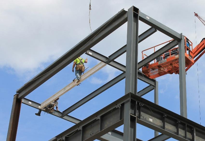 Так как двутавровые балки это строительный материал, который применяется в ответственных конструкциях, то и их изготовление осуществляется строго в соответствии с государственными стандартами