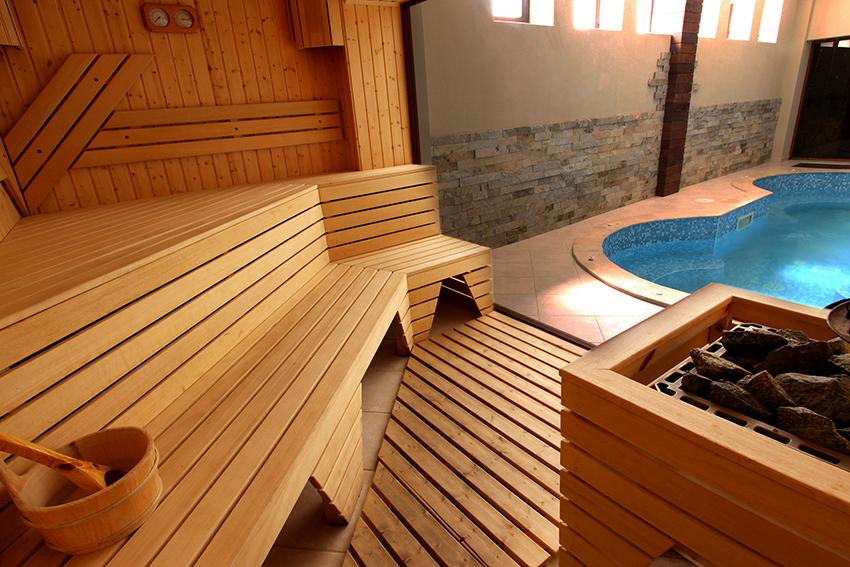 Если позволяют финансы и размеры участка, то можно построить большой банный комплекс