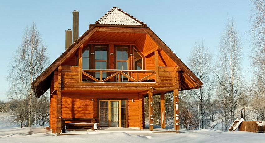 Мансардный этаж можно приспособить для гостевой спальни или бильярдной