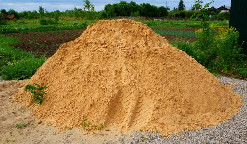 Для приготовления раствора своими руками понадобится мелкий речной песок