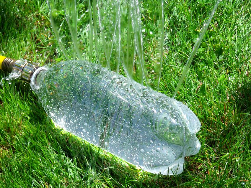 Чтобы регулировать струи воды необходимо повернуть клапан на устройстве