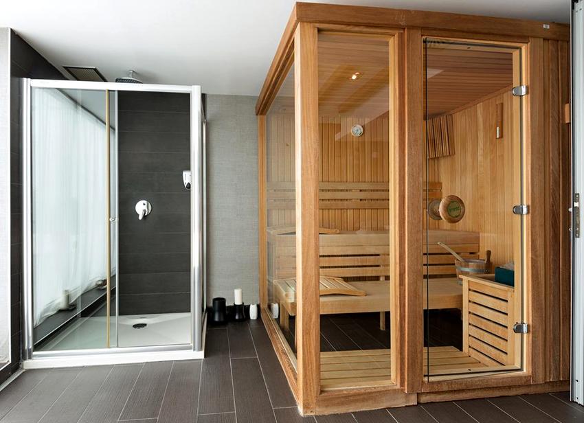 Размер двери должен соответствовать габаритам помещения, в закрытом состоянии должны отсутствовать щели