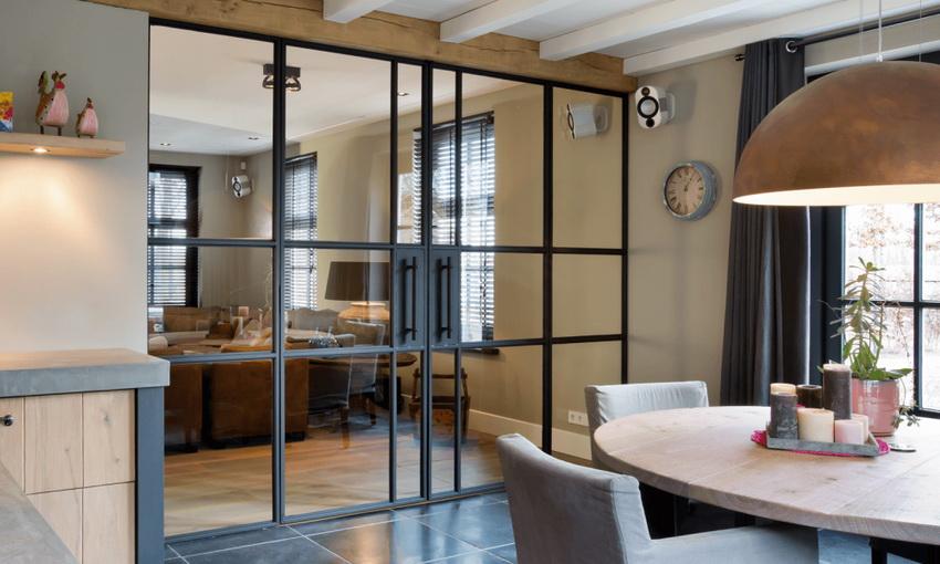 Стеклянные межкомнатные двери позволяют создавать легкий изящный интерьер