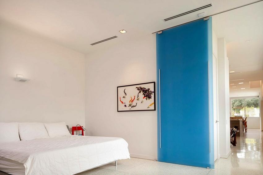 Производители предлагают множество вариантов конструкций дверей под любой дизайн интерьера