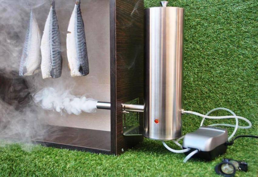 Для изготовления дымогенератора не нужно специального оборудования и материалов, можно собрать его из подручных средств