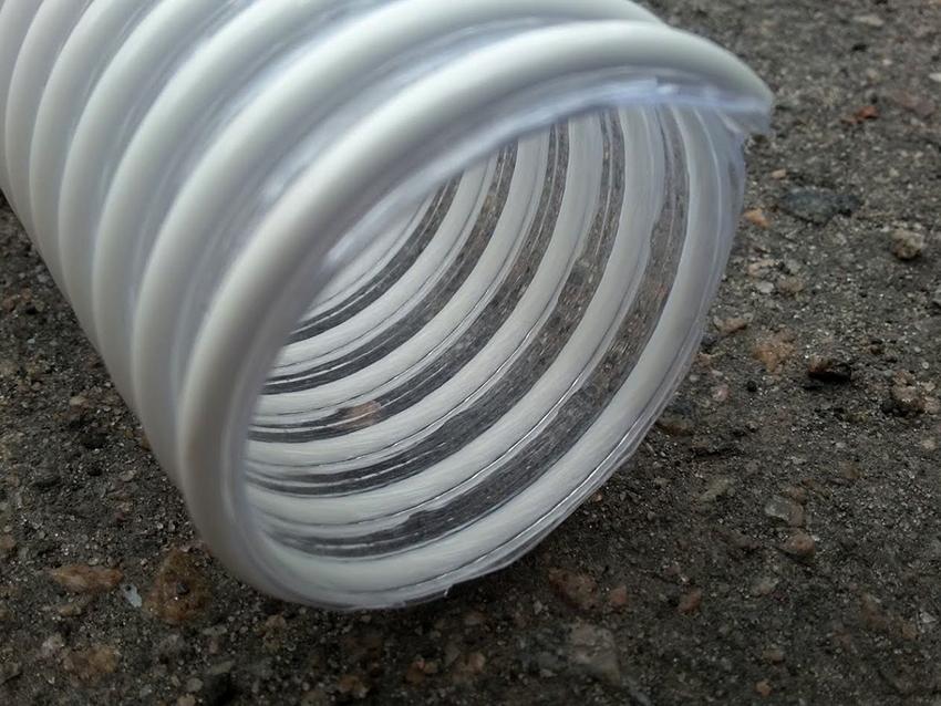 Гофра может быть изготовлена из разнообразных материалов, различных цветов и диаметров