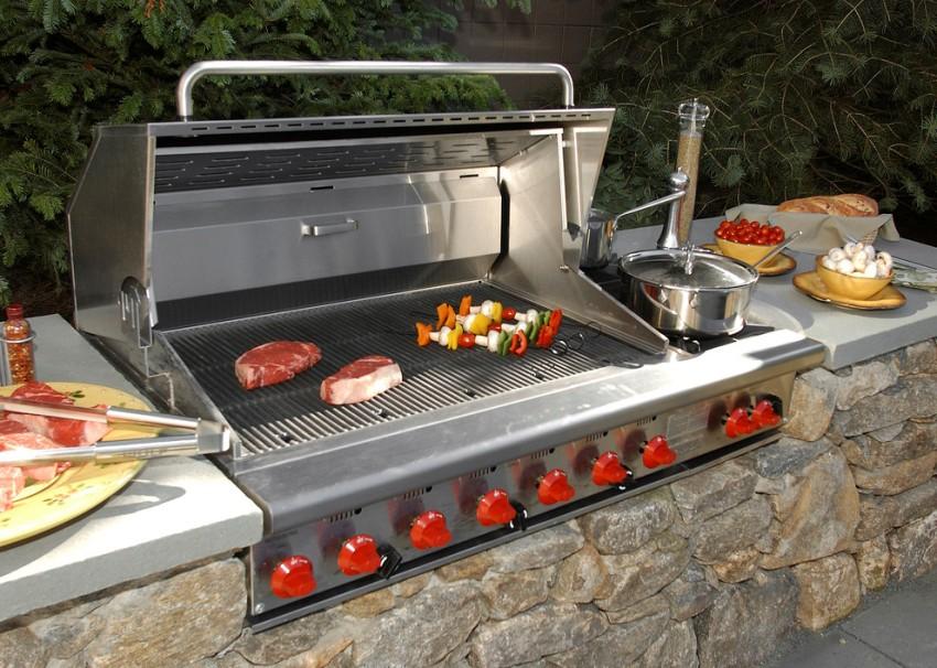 Газовый гриль-барбекю дает возможность мгновенно запустить агрегат и начать готовить уже через 5-10 минут