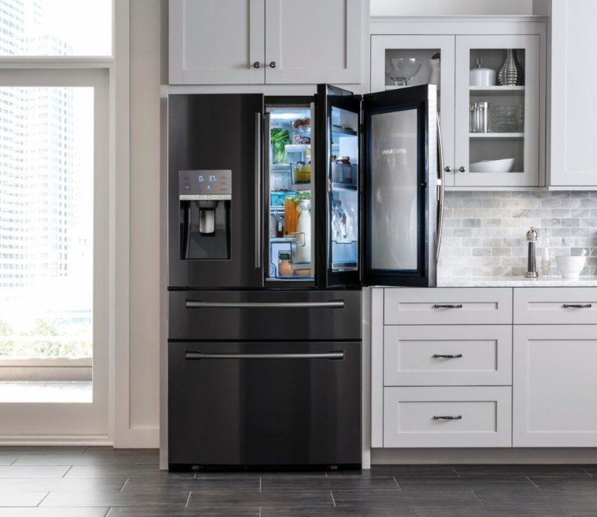 Посмотреть, какие продукты находятся в холодильнике, можно не открывая основную камеру