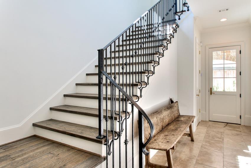 Красивые кованые элементы можно создавать даже в домашних условиях без наличия специального дорогостоящего оборудования