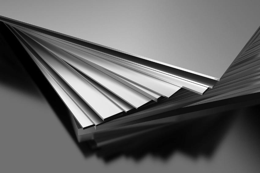 Листы нержавеющей стали, для изготовления коптильни, должны быть толщиной не менее 2 мм