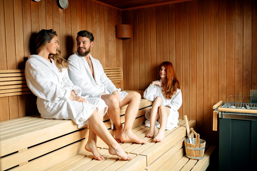 Подбирая мебель для бани нужно помнить, что она должна объединять в себе такие качества как удобство, простота и стильность