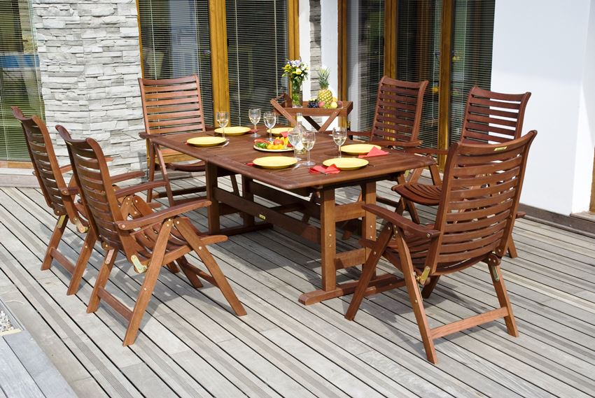 Складные деревянные изделия займут меньше места при хранении в зимний период