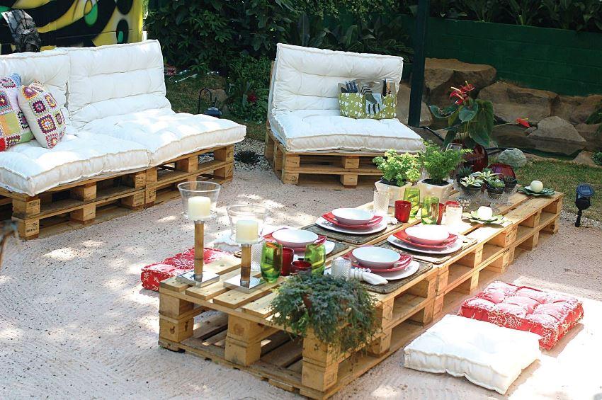С помощью поддонов можно создать любой тип мебели для террасы