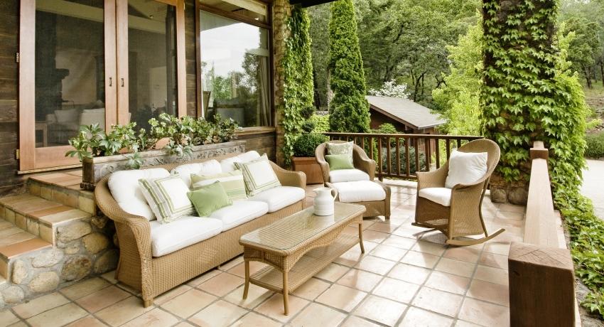 Мебель для террасы: стильное оформление летних площадок