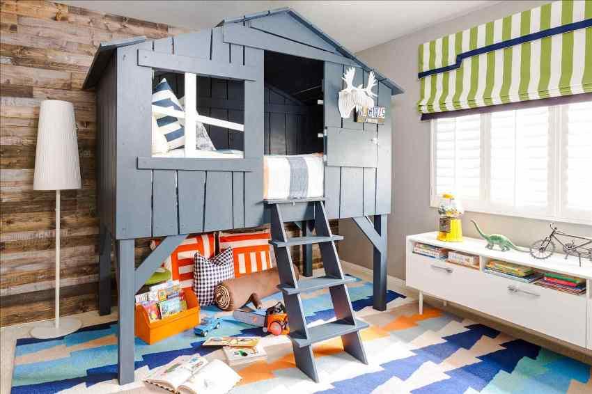 Деревянные предметы интерьера должны быть комфортными и привлекательными для маленького обитателя комнаты