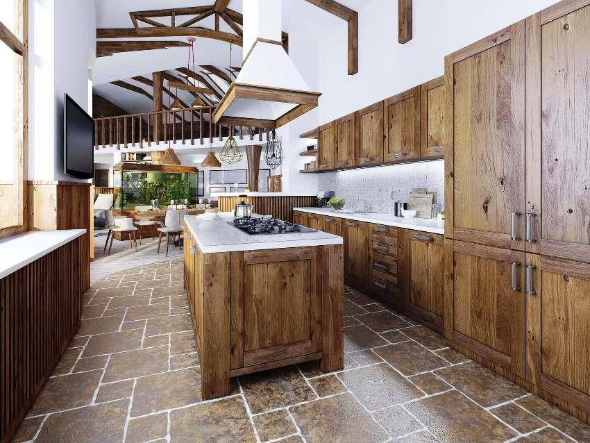 Важным преимуществом деревянной мебели на кухне является соответствие практически любому стилю интерьера