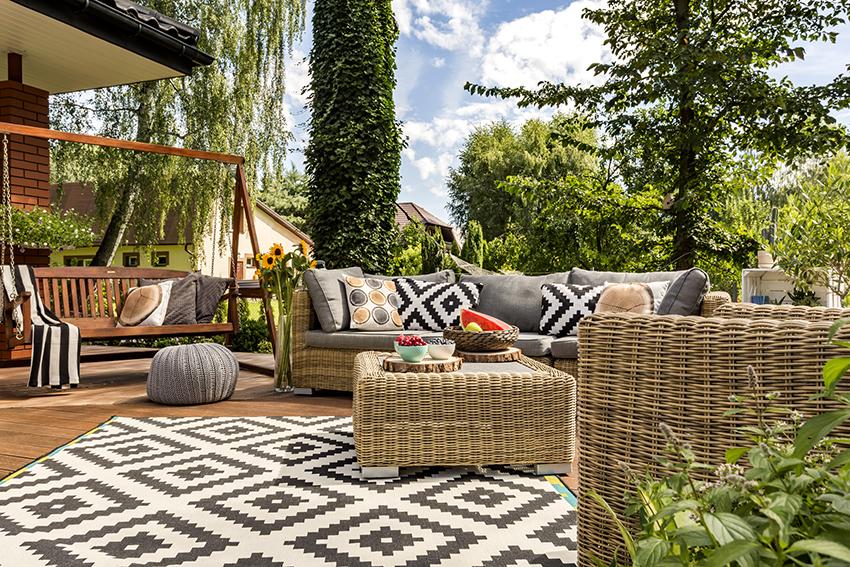 Главные достоинства мебели из ротанга – легкость, прочность, влагостойкость и долговечность