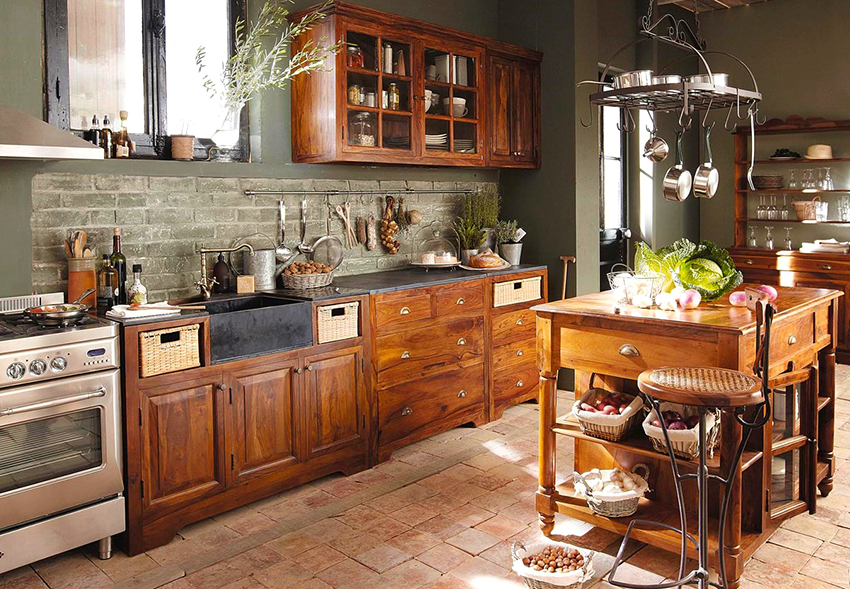 Pine kitchens are very popular among country style devotees