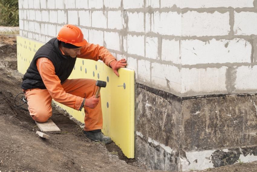 Расход материалов для утепления способом мокрый фасад производится исходя из необходимого количества на 1м²