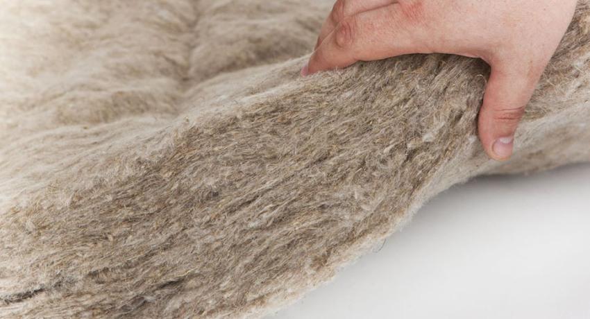 В зависимости от технологии производства и характера сырья, волокна утеплительного материала могут иметь разную геометрию, длину и толщину