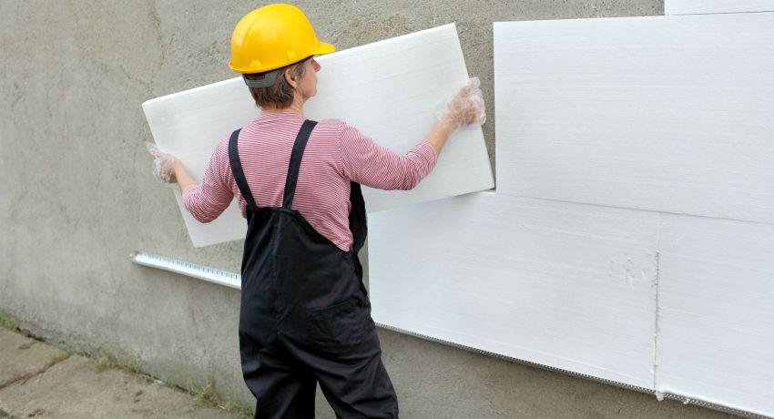 Для монтажа мокрого фасада нет необходимости усиливать фундамент и несущие стены здания