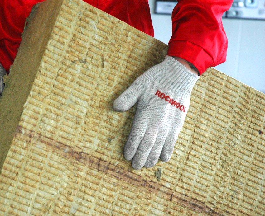 Стоимость мокрого фасада за м²с плитами из минваты составит около 1200 рублей